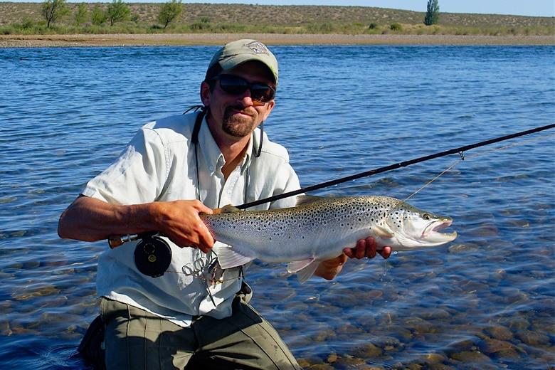 Le prix des ensembles des attraits pour la pêche